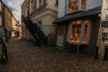 Crooked house 4.jpg